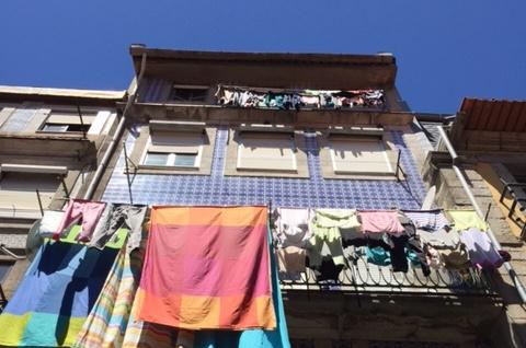 Portugiesisches Haus mit Azulejos in Porto